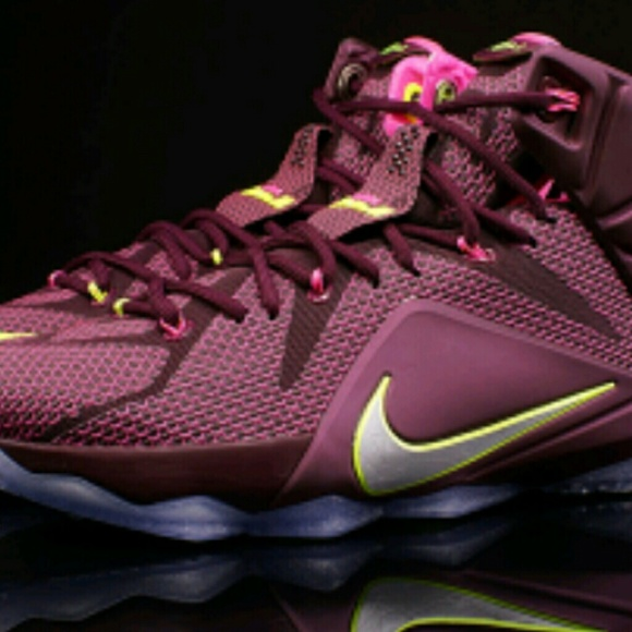 official photos 89463 3aad9 Nike LeBron 12 Double Helix. M 5a974e213800c5c88098ff64